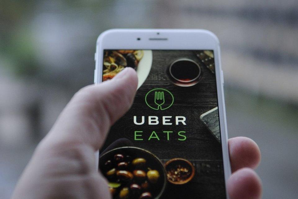 Vantagens e desvantagens de contratar a Uber Eats: Veja aqui e fique por dentro!