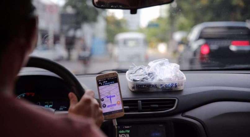 Direitos mínimos de motorista e entregador de app